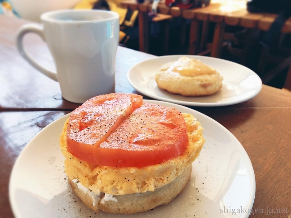 横手山-food-横手山に行くなら!山頂ヒュッテのパンとクランペットカフェ